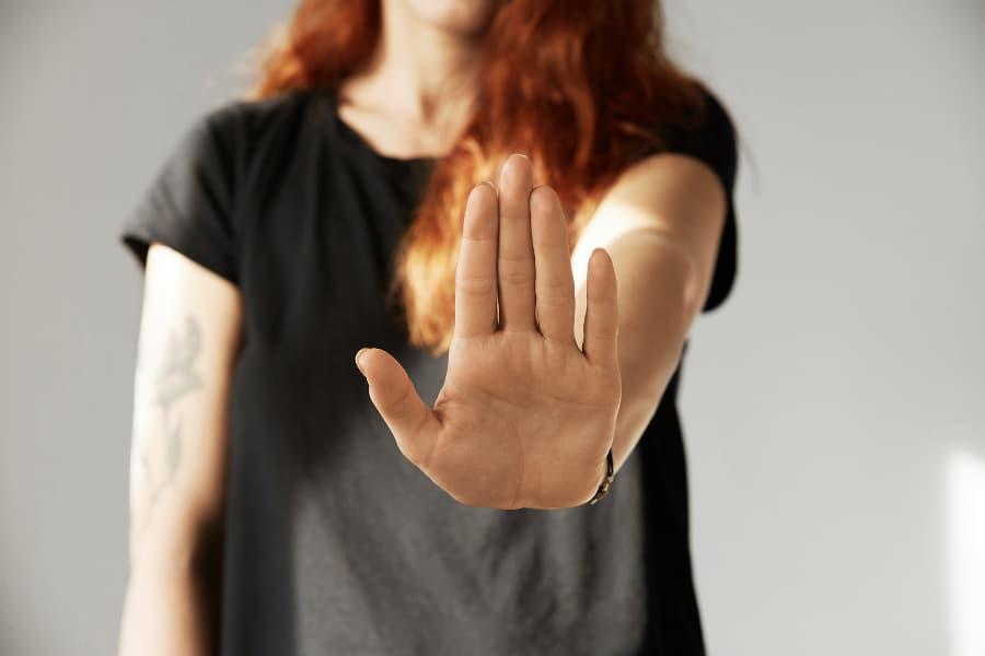Grenzen setzen: Warum uns Frauen das zuweilen schwer fällt